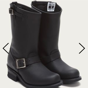 Frye Leather Engineer 12R boot size 8.5 black